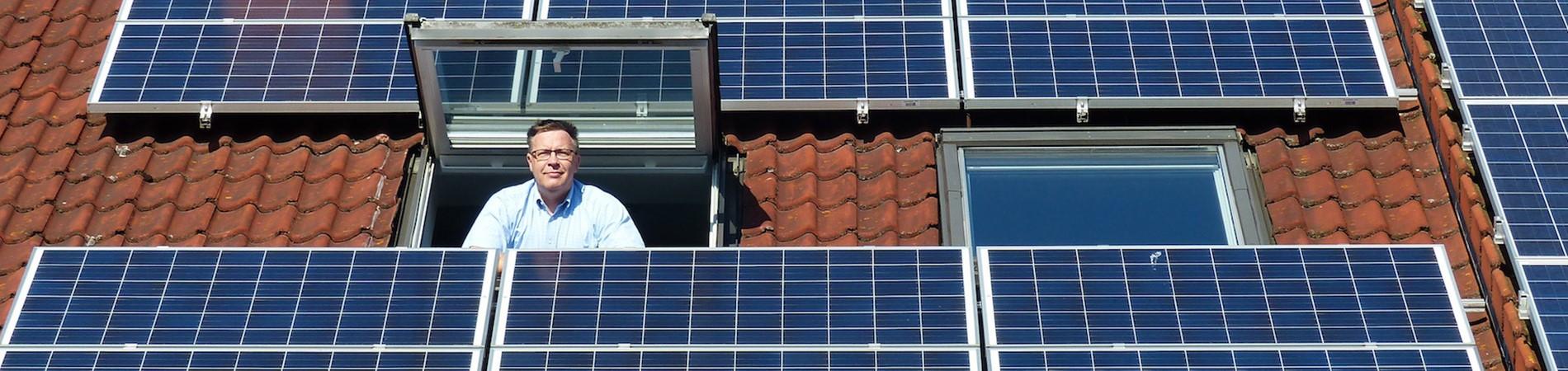 sonnen Kunde auf seinem Dach mit Photovoltaik-Anlage