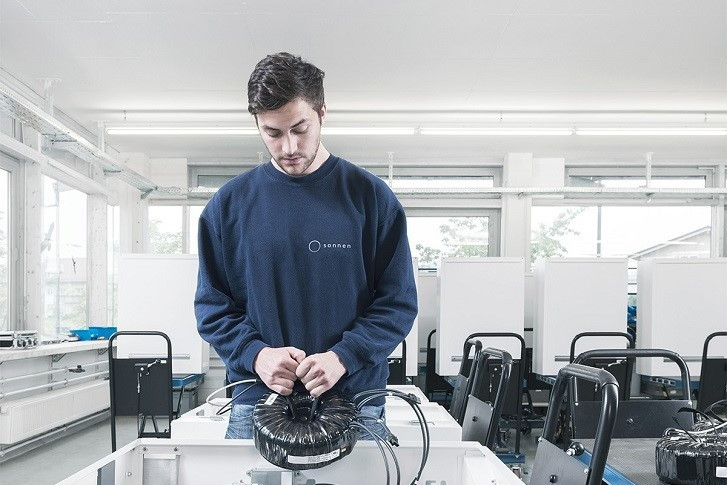 factory worker at sonnen in Germany