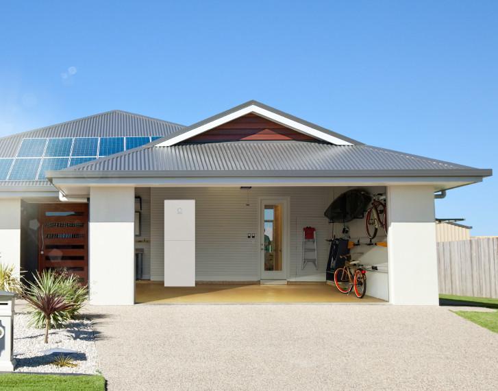sonnenBatterie house garage